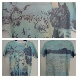 New with tags Univibe graphic tee size M